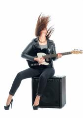 Frau mit Gitarre