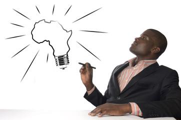 Afrikanischer Mann hat geniale Idee