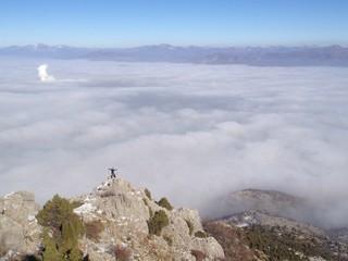 sis bulutlarının zirvesinde