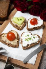 Herzhaftes Frühstück zum Valentinstag