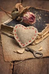 Cloth heart, key