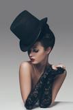 Kobieta w stylu Retro - 59930983