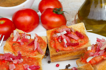 spanish tapas    - bread with tomatoes and jamon