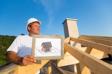 Architekt und Baumeister auf einer Baustelle