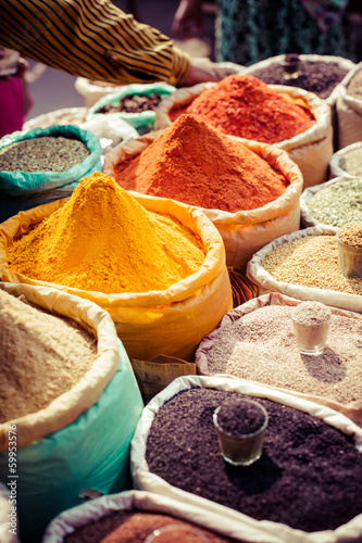 Staande foto India Indian colored spices at local market.