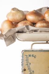 Cebollas en la balanza