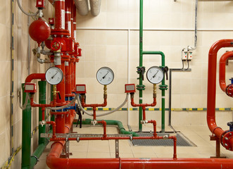 Fire sprinkler control system in basement of large building