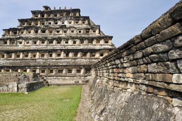 Pirámide de los Nichos, El Tajín (México)