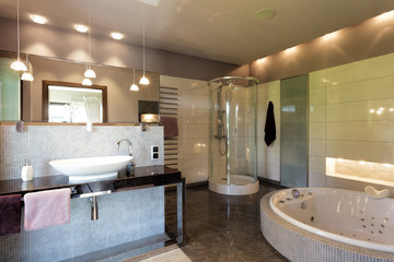 Luxurious bathing room