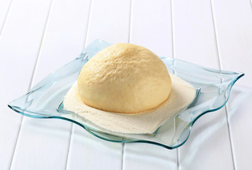 Raw yeast dough