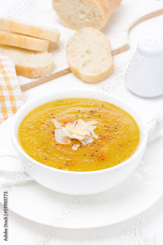 Cream soup of yellow lentils with vegetables