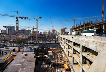 Construction continues unabated in Doha, Qatar