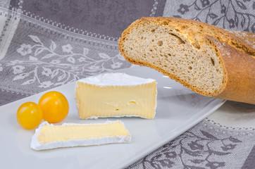 Camembert mit Brot 3