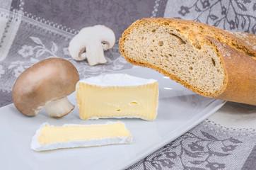Camembert mit Brot 4