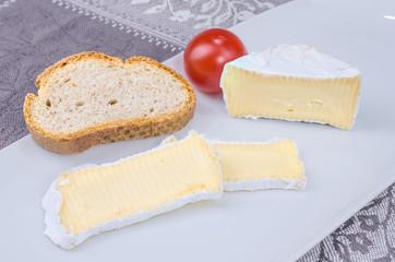 Camembert mit Brot 5