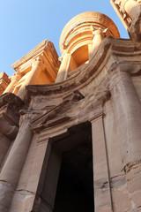 ヨルダン世界遺産、ペトラの修道院跡近景