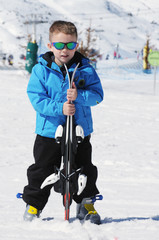 boy with skis