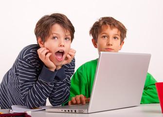 Spielen oder Lernen am Computer
