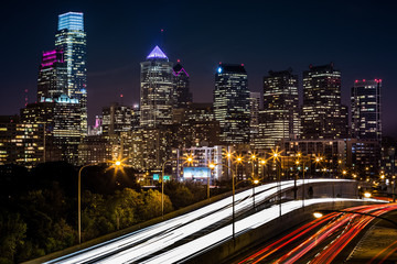 Philadelphia skyline with traffic on Schuylkill expressway