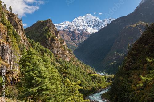 Fotobehang Nepal Valley close to Phakding, Himalaya, Nepal