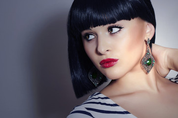 Beautiful Brunette Girl. Bob Haircut. Beauty woman jewelry