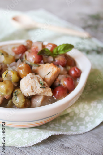 Pork meat stew with white wine sauce