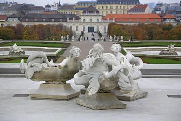 Skulpturen im Schloss Belvedere in Wien