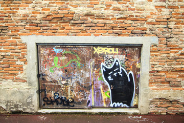 Brik wall with graffiti elements