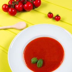 suppe mit tomaten