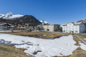 Scuol, Tarasp, Bergdorf, Engadin, Schweizer Alpen