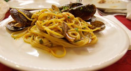 spaghetti cozze pescatora