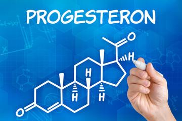 Hand zeichnet chemische Strukturformel von Progesteron