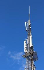 Sommet de tour relais support d'antennes de téléphonie