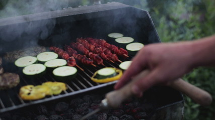 grilling vegetables on the grate