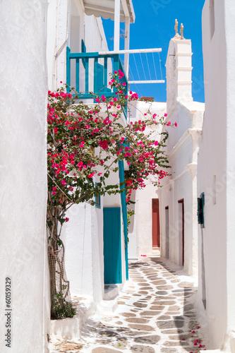 tradycyjny-grecki-dom-na-mykonos-wyspie-grecja