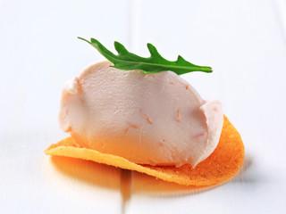 Ham or salmon mousse on crisp