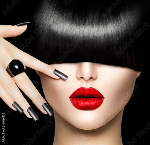 Fototapeta Beauty Girl Portrait with Trendy Hair style, Makeup and Manicure