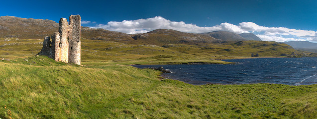 Ardvreck castle in Sutherland (Scotland) and Assynt lake