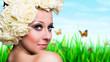 junge blonde Frau vor Frühlingswiese