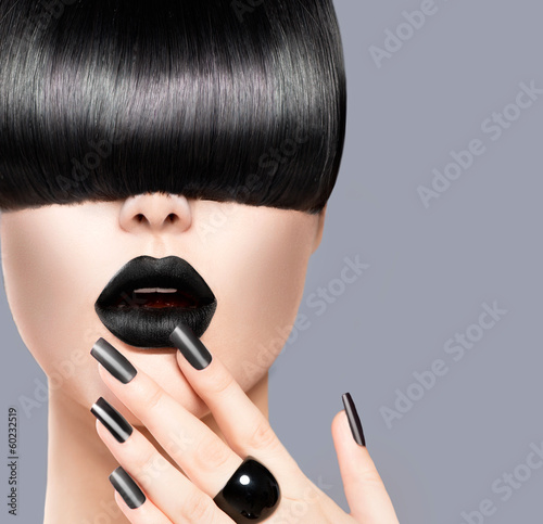 Beauty Girl Portrait with Trendy Hairstyle, Black Lips and Nails