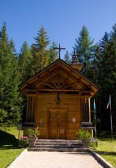 Holzkapelle in den Dolomiten - Alpen