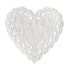 Napperon en papier forme coeur
