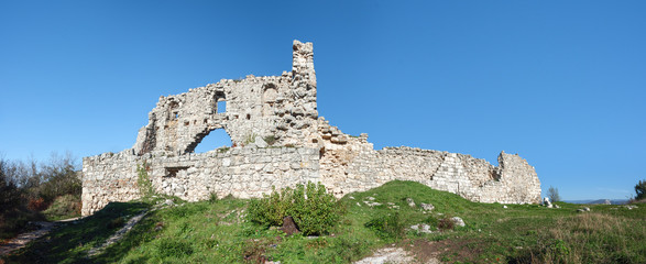 Развалины древней крепости на плато Мангуп Кале. Украина