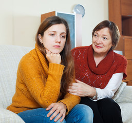 Mature mother asks for forgiveness from adult daughter after qua
