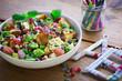bunter Salat in Schüssel
