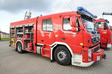 Modernes großes Feuerwehrauto
