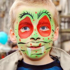 Junge mit Kinderschminke
