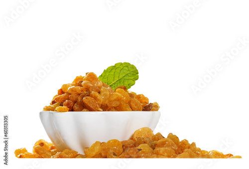 White raisins in a bowl