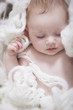 Baby schläft friedlich
