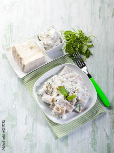 pasta with gorgonzola and arugula